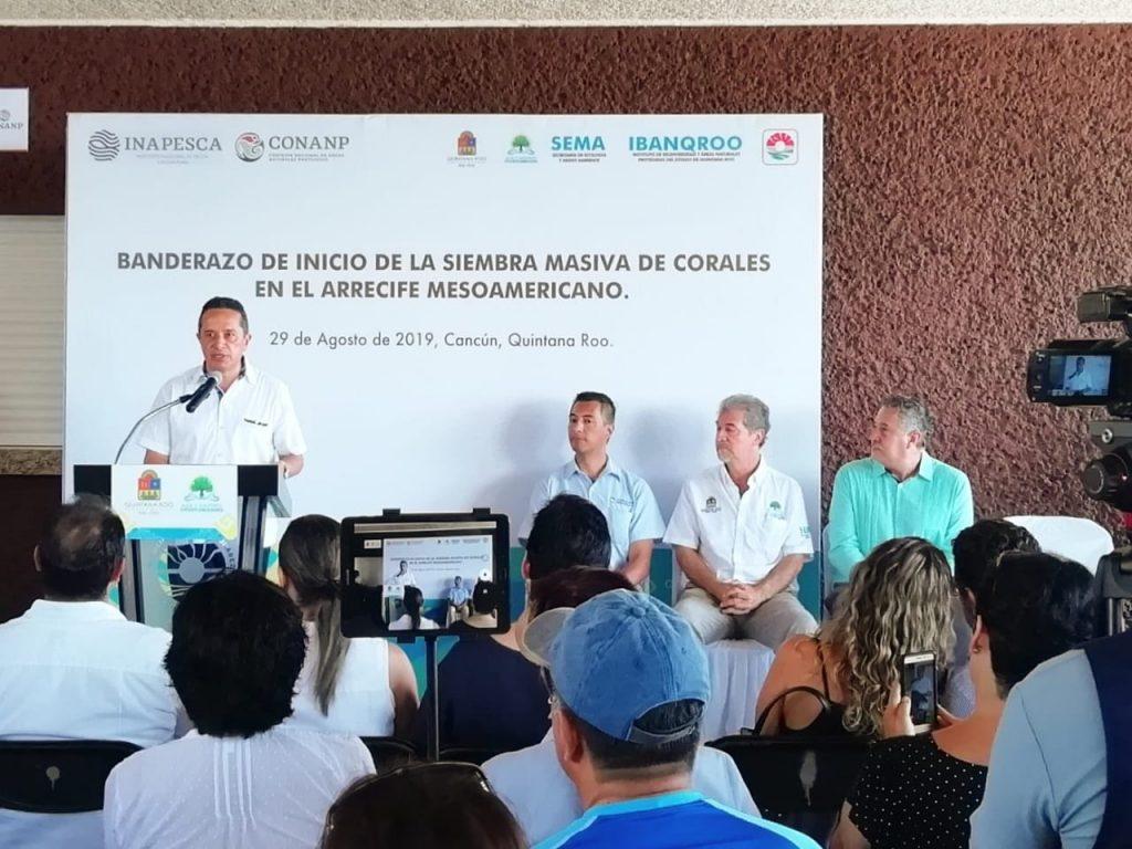 carlos-joaquin-corales-siembra-masiva-arrecife-cancun-ecología-quintana-Roo-isla-mujeres-sustentur