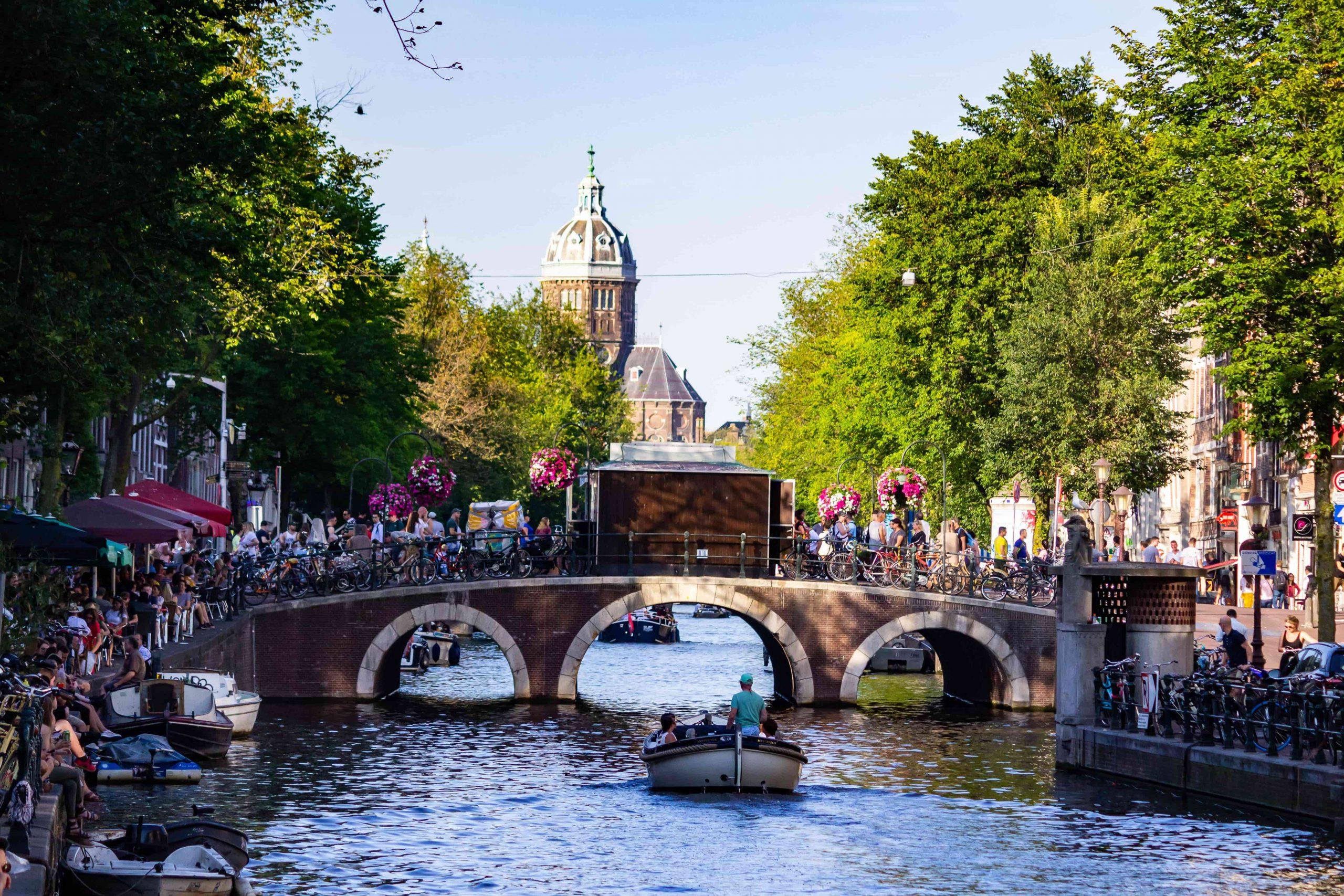 alto al turismo masivo-amsterdam